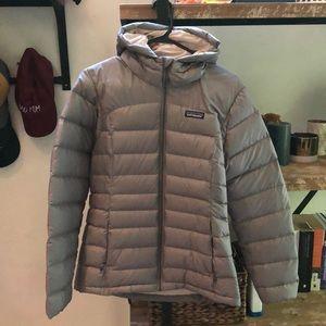 Patagonia Women's Nano Puff® Hoody (small, gray)